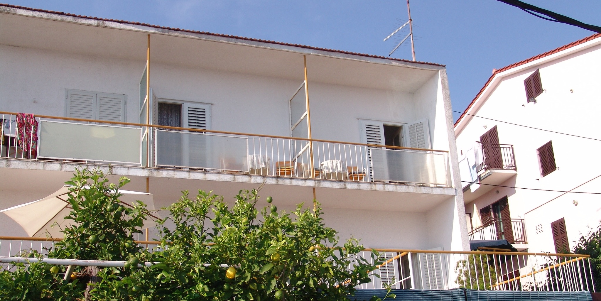 Apartment With Large Terrace And Sea Views In Hvar