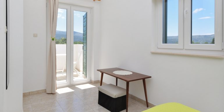 Newly built house with garden and parking Hvar island