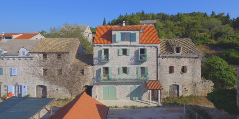 stone house for sale Hvar Island