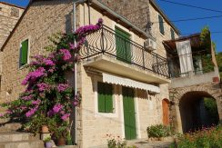 House for sale on Hvar Island with parking