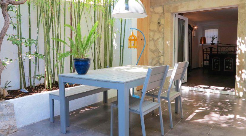 garden apartment in hvar