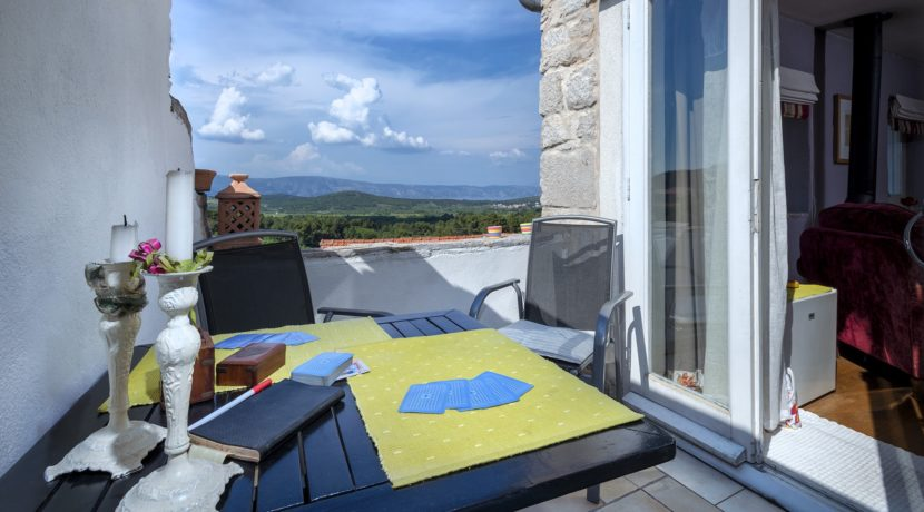 stone house with swimming pool for sale on Hvar
