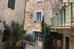 house for sale in Stari Grad