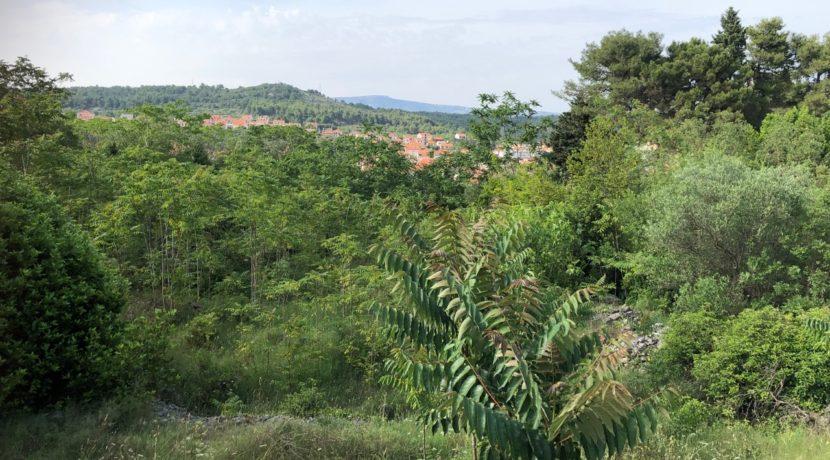 building land in Stari Grad