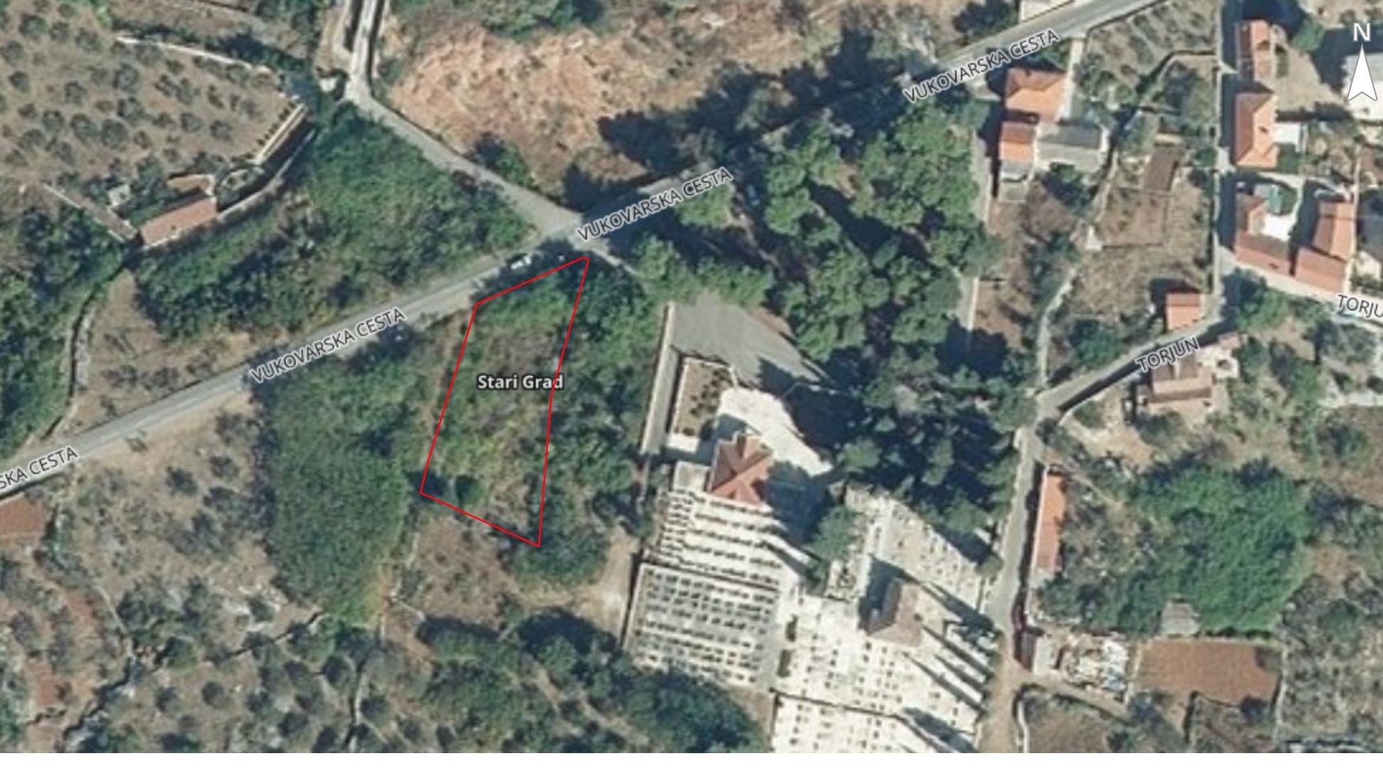 Veće građevinsko zemljište u Starom Gradu na otoku Hvaru