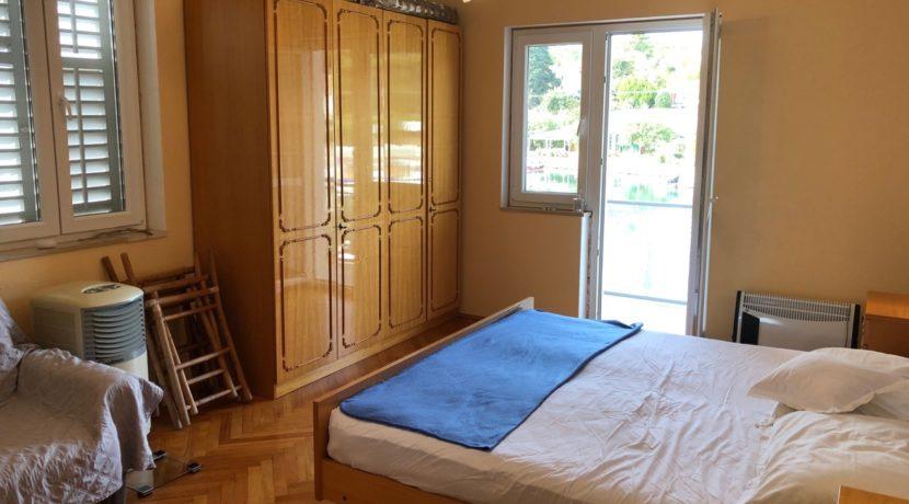 apartment for sale in Vrboska