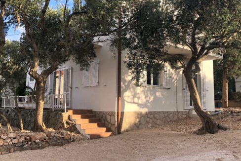 house with garden and parking in Stari Grad