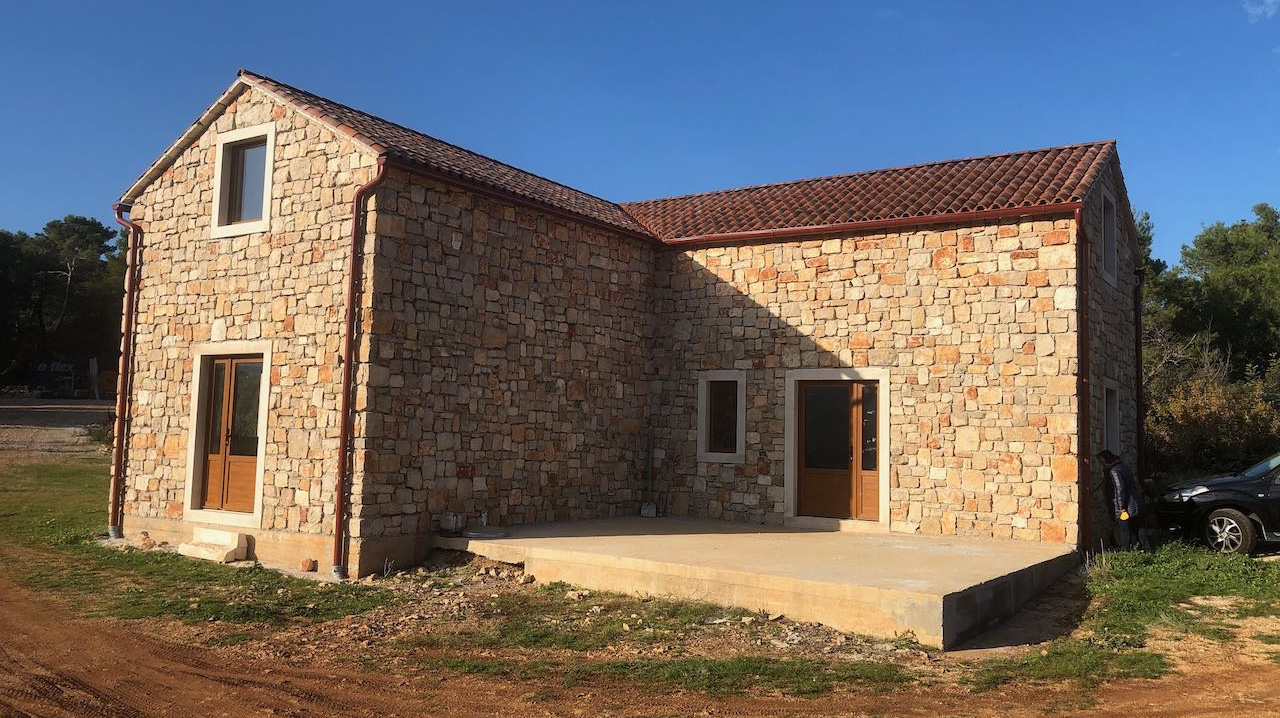 Newly built house in agricultural setting with amazing open views